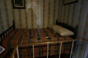 Lincoln death bed